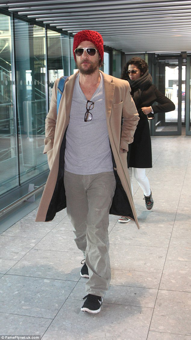 Matthew McConaughey cuts a low profile in beanie and shades as he jets out of London https://t.co/PiNi9gRC2p