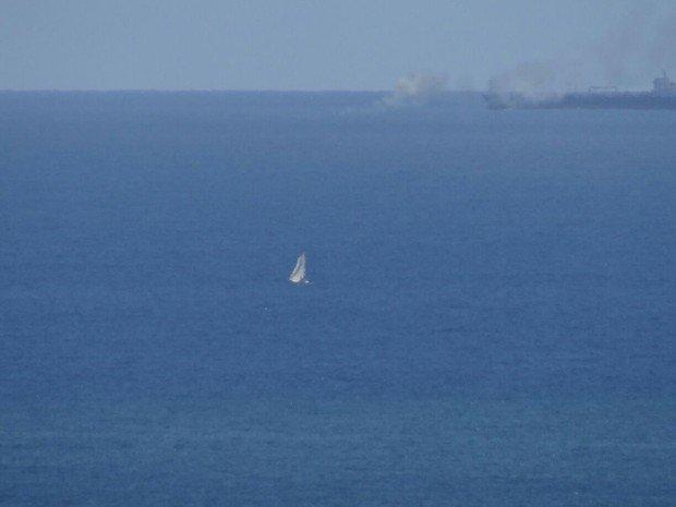 Embarcação pega fogo em alto mar e naufraga em Salvador; três escapam. https://t.co/7B96qaEROa #G1