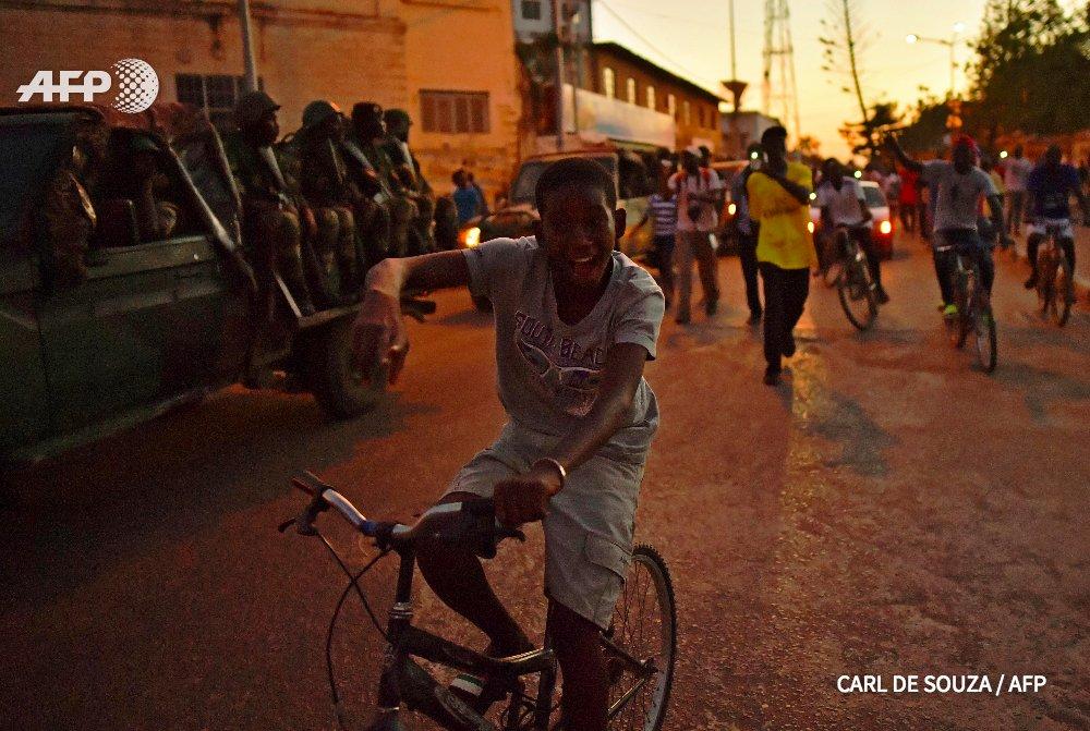Les soldats ouest-africains déployés en Gambie pour préparer l'arrivée du nouveau président Barrow https://t.co/VdA3cdSoxu #AFP