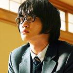 \場面写真、初公開!/ 神木さん演じる主人公・桐山零を中心とした『#3月のライオン』の場面写真が本日解禁!真剣な眼差しで