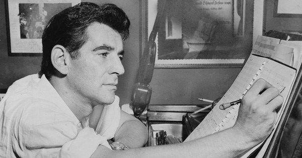 Leonard Bernstein on defying cynicism and why paying attention is a countercultural act of courage and resistance https://t.co/drGME76rFE