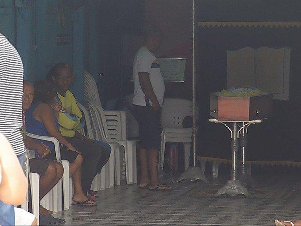Corpos de vítimas de série de assassinatos são velados em Belém. https://t.co/z1VV3xFfdG #G1