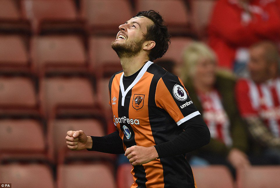 RT @TSBible: Thoughts are with @RyanMason  and his family tonight. Hang in there champ. 🙏🏼 https://t.co/saBQD2T5Pp
