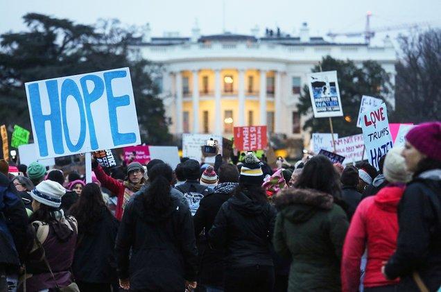 Arts community & worldwide crowds unite for #WomensMarch: