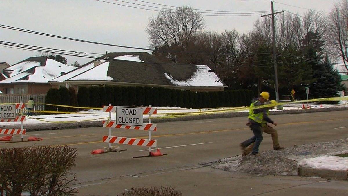 Uh-oh: Super Bowl flushes could worsen sinkhole in Michigan