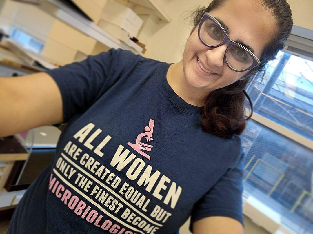I'm Hira, and I'm a Microbiologist in training. I work on small regulatory RNA genes in bacteria. #actuallivingscientist #DressLikeAWoman https://t.co/c51iyGsgly