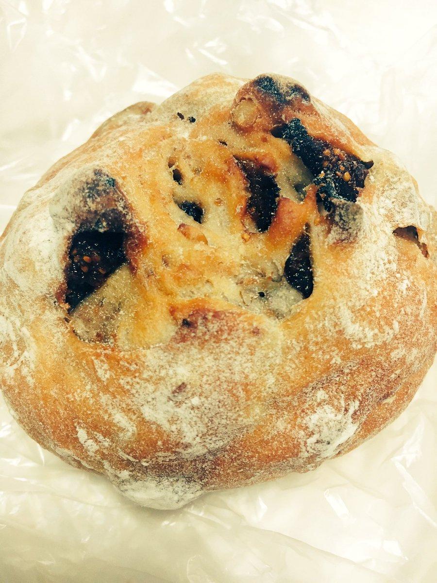 みなさんありがとうございます!これからもパンでPeace!を宜しくお願いします!公式ツイッターこちらです( )!よ!!!