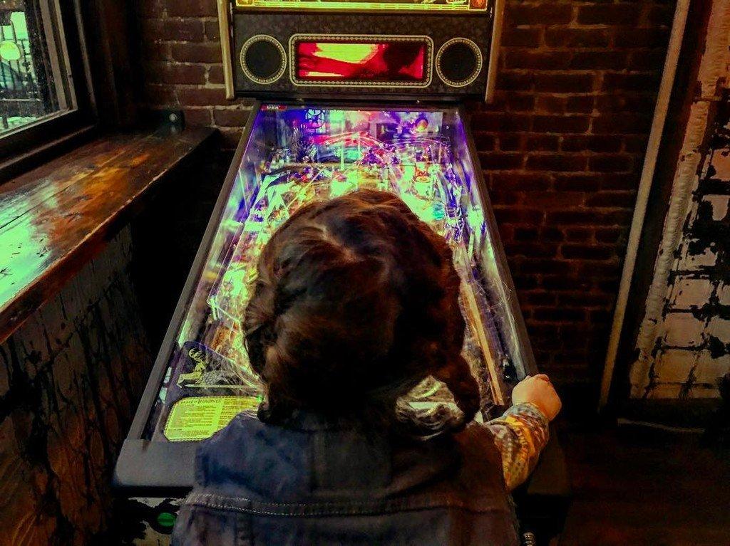 My pinball wizard. #landofahs #atlashendrix https://t.co/VJPRT8tAU4