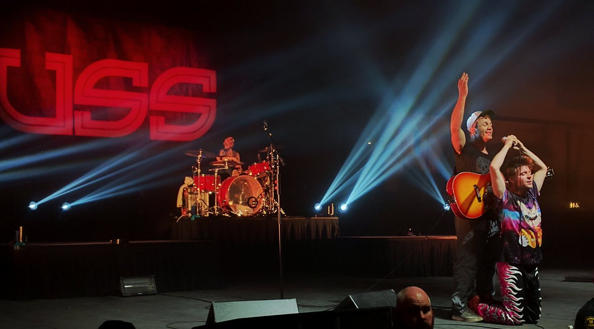 test Twitter Media - Last night was amazing! Thank-you @USSMUSIC  The #energy was #Amazing  @Livenationwest @EdmontonSCC #YEG @CityofEdmonton #Love #Live #Music https://t.co/akbcWw2fAd