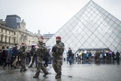 Louvre museum reopens; Egypt identifies machete attacker
