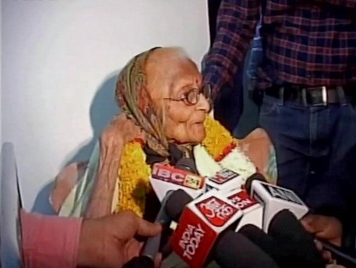 91-year-old Dr Bhakti Yadav, said to be the first MBBS-qualified lady from Indore, awarded the Padma Shri ANI
