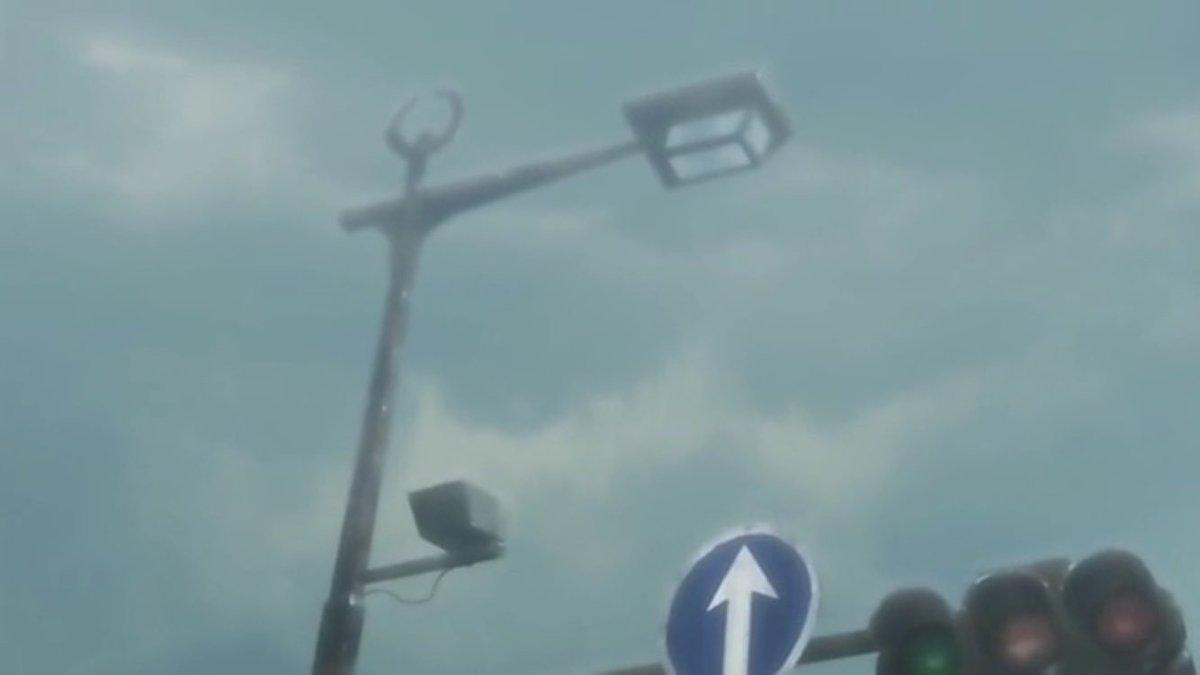 【 #planetarian 聖地巡礼スポット?家康の前立、羊歯印の街灯】前立=兜印のことです。この前立を目印に進むと浜