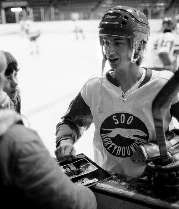 Happy 56th birthday to Wayne Gretzky!