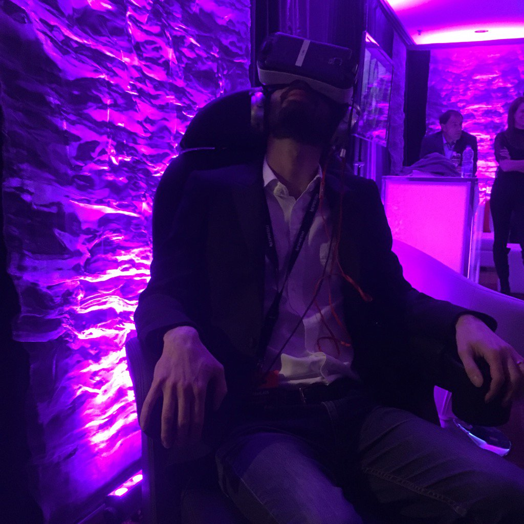 test Twitter Media - VR station is ON and motion by D-BOX at CinéQuébec https://t.co/CQWtiLn36z