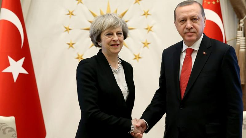 UK and Turkey sign defence deal, push for more trade
