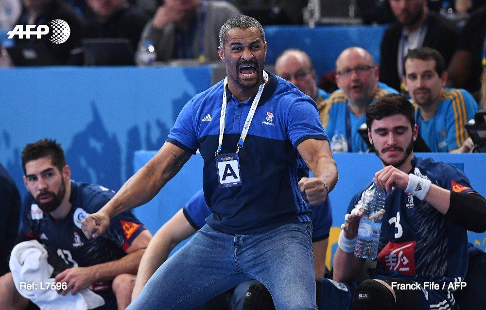 🏆 1995 🏆 2001 🏆 2009 🏆 2011 🏆 2015 🏆 2017  6e titre mondial pour les Bleus #AFP #FRANOR #Handball2017