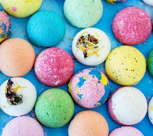 Free Bath Bomb Sample - free freebies freestuff latestfreestuff