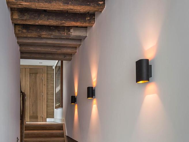 Illuminazione Di Un Corridoio : Non solo faretti tutte le soluzioni per illuminare il corridoio
