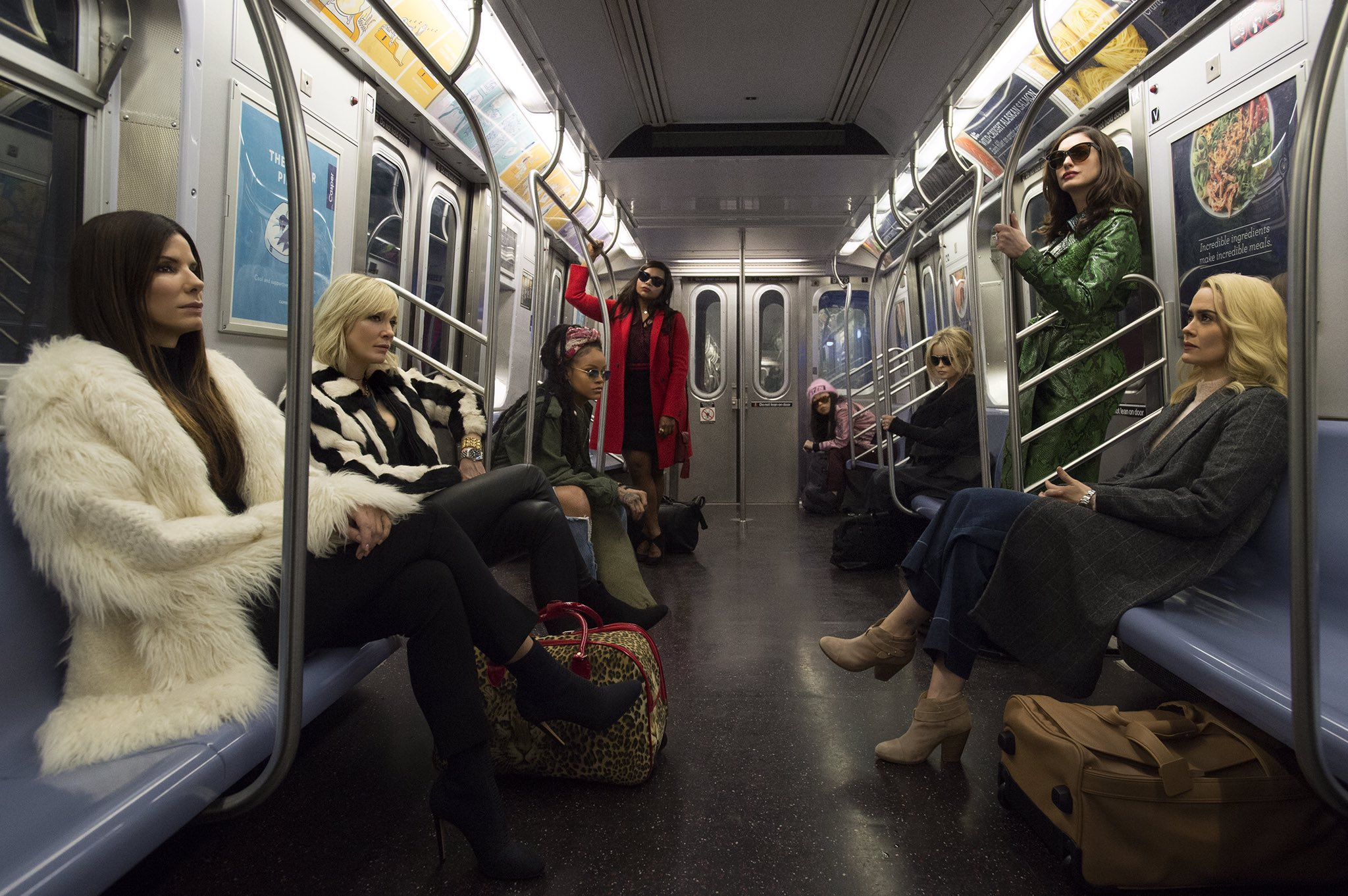 First looQ at #Oceans8. Coming summer 2018. https://t.co/NNbgolsnWu