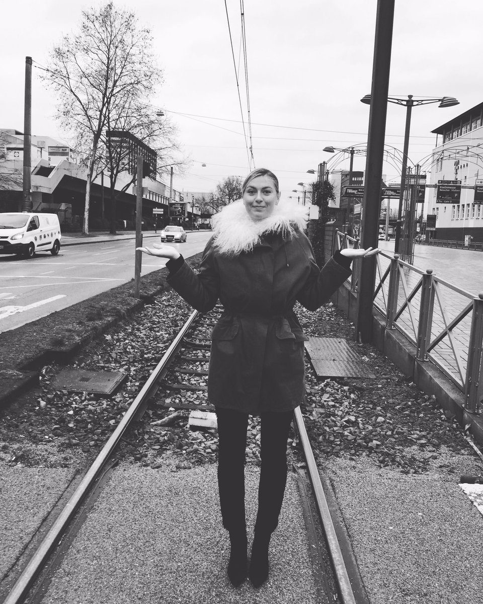 Cologne, Germany you're chilly!! #ISM2017 @Sugarpova https://t.co/jZngHfmOzk