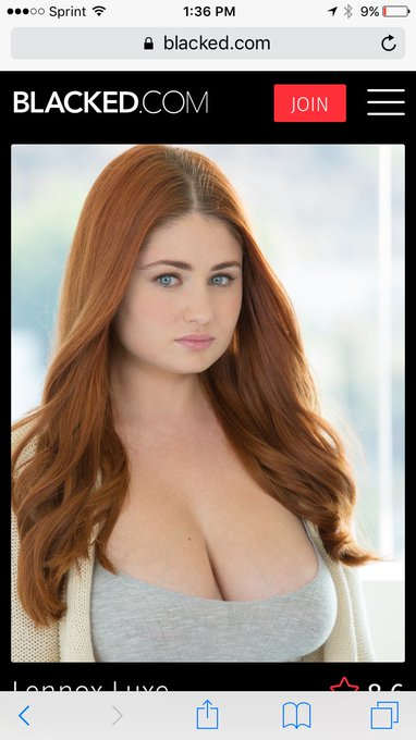 Omg when @LennoxLuxe_xxx followed me I thought she wasn't real! Holy boobs on Sansa Stark Batman! https://t