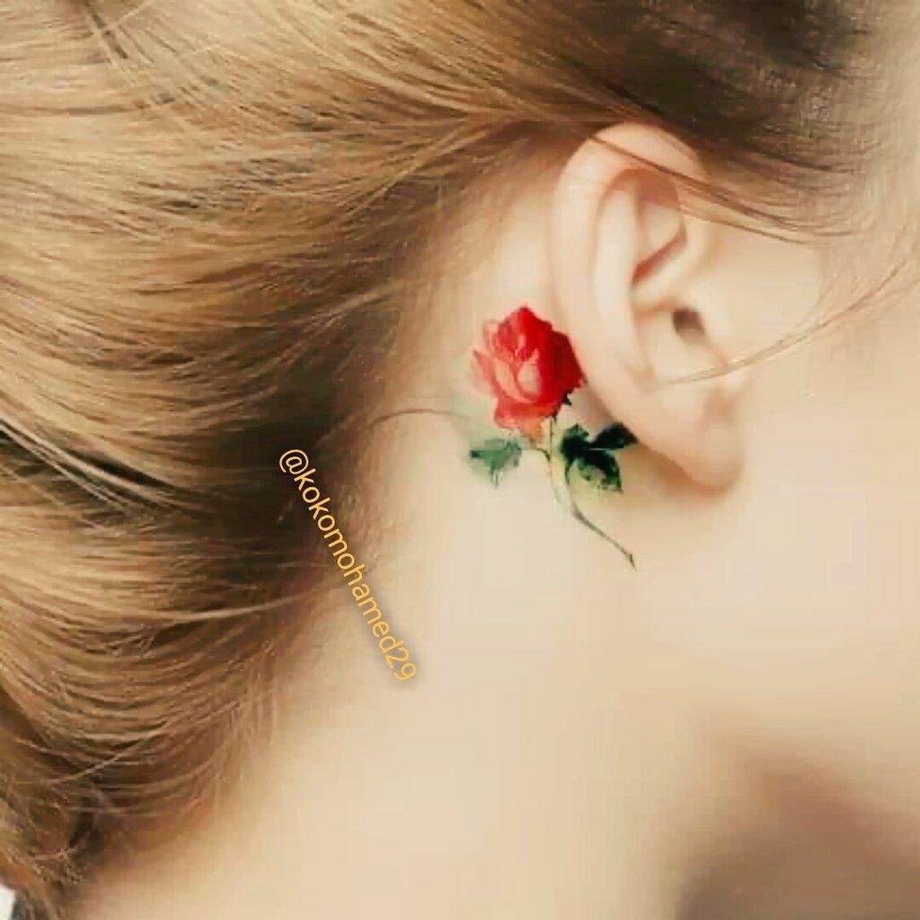 Тату цветок за ухом фото