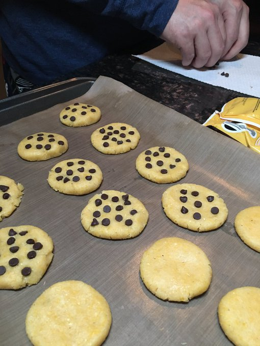 Adding chocolate chips to the cookies because that's clearly the best decision of the night 😎😅🍪 https://t