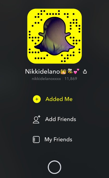 1 pic. Want to follow my non-nude snap chat check it out at nikkidelanoxxxx w 4x's https://t.co/q6mA