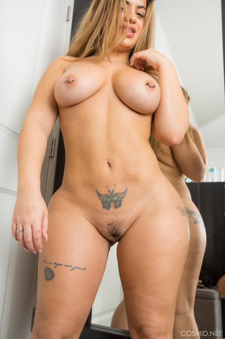 Pretty little #pussy https://t.co/CtA6G5M7hc See more #BBW pics https://t.co/eI5qug2arY