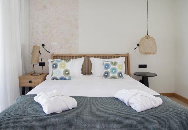 Ceo arne sorenson gives tips for a good night 39 s sleep on for Sorenson tips