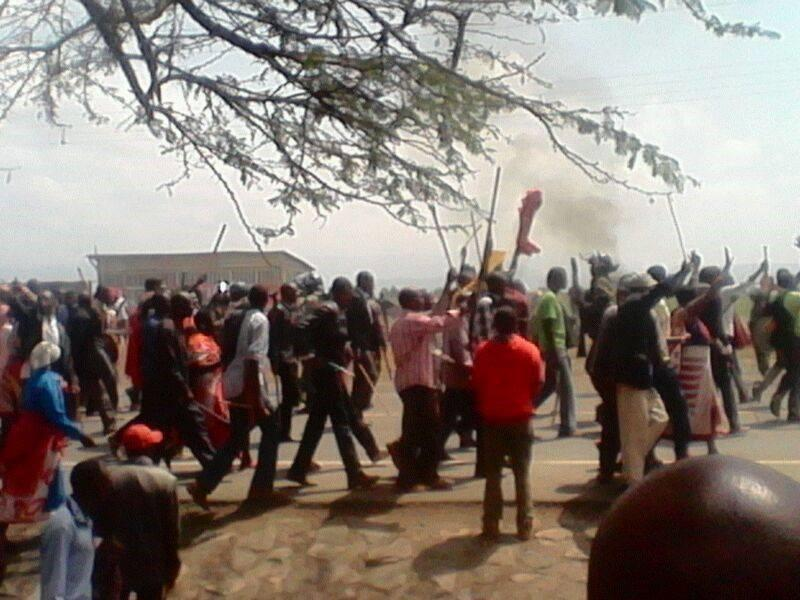 LAND CLASHES Start in Rift Valley as Armed Militia INVADE WHITE Settler Land, burn Property and Elect Permanent Traditional Manyattas