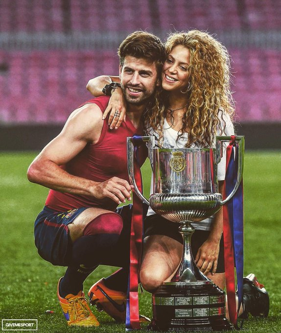 Happy birthday Gerard Piqué & Shakira! Relationship goals.