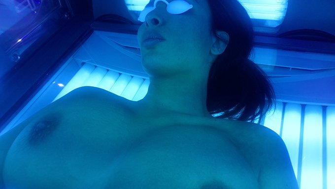 Tanning time 🌞🌞 https://t.co/Rvv9uNCoVz