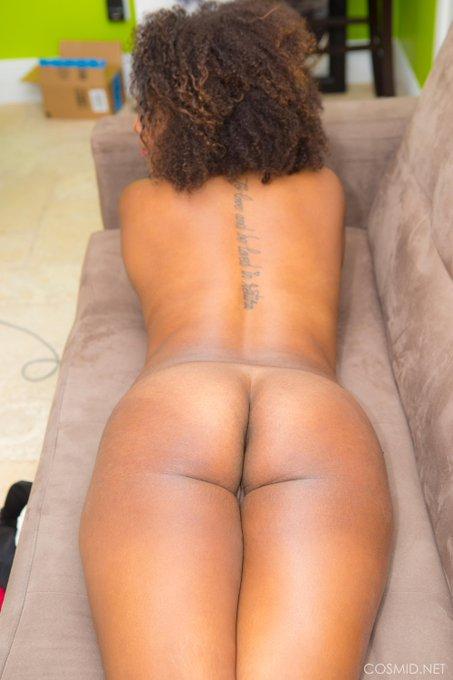Whitney has a lovely #ass https://t.co/mdMDM82FhT More #amateur pics https://t.co/OFTREjz3UZ