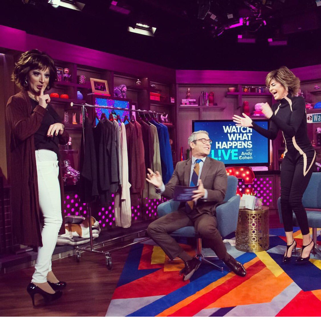 This was epic in the clubhouse. #DusterCardigan #DragQueen #Wewon @Qvc https://t.co/C5j07TPCO9