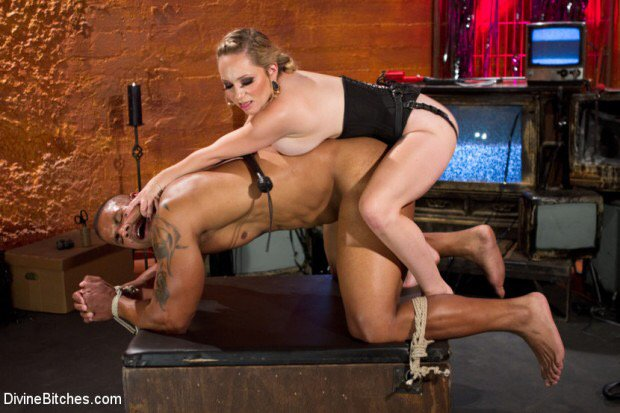 """I'll be live on @VividRadioSXM at 1pm PST today on my show """"Diary of a Dominatrix"""" call in 855-998-4843"""