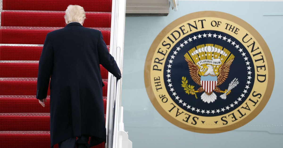 Trump heads to 'Winter White House' this weekend