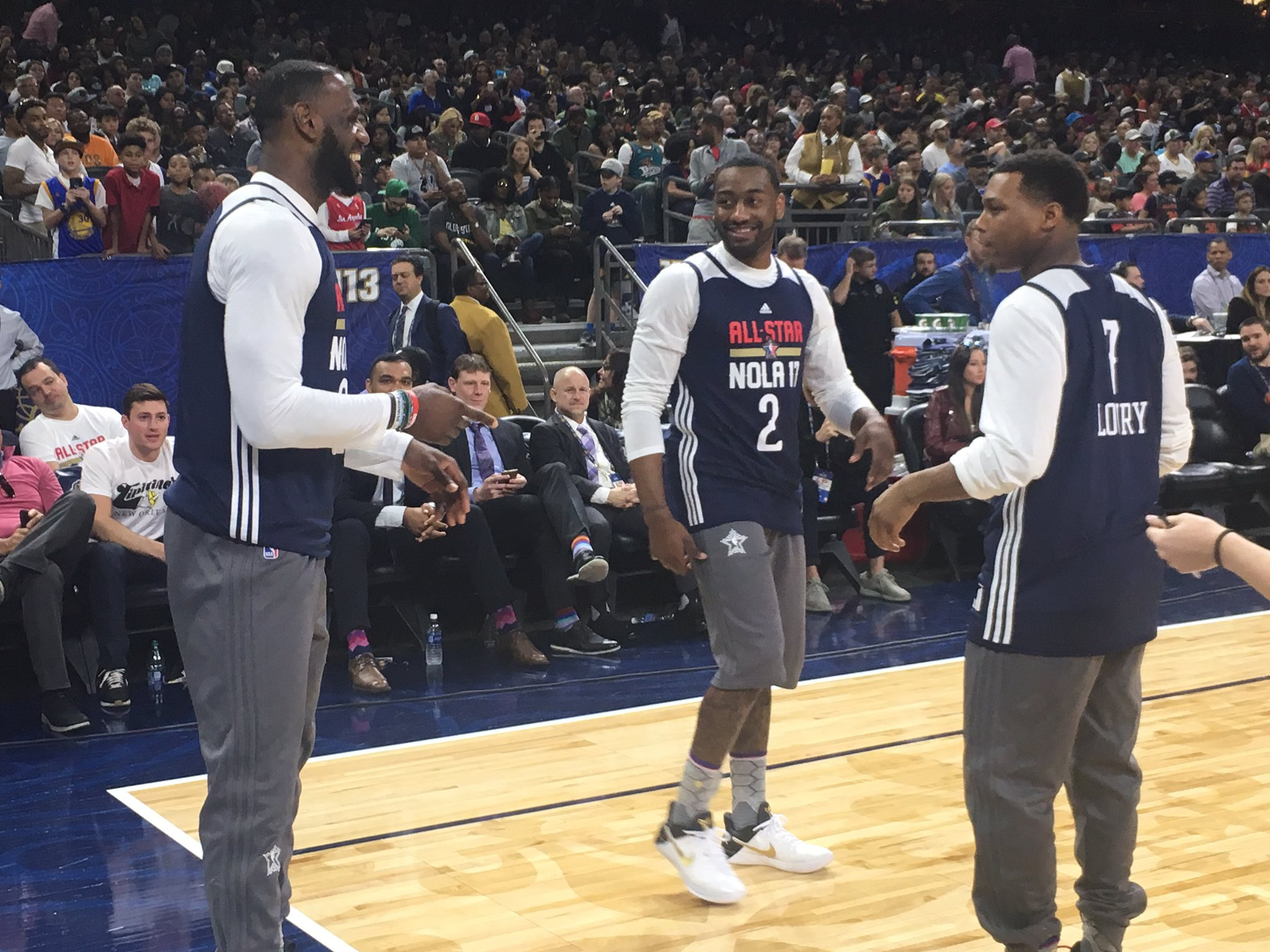 LeBron, John Wall & Kyle Lowry having some fun at #NBAAllStar #TeamEAST Practice! https://t.co/0s2pQ1HPpc