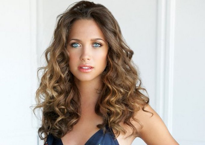 Happy birthday to the gorgeous Maiara Walsh! ¡Feliz cumpleaños