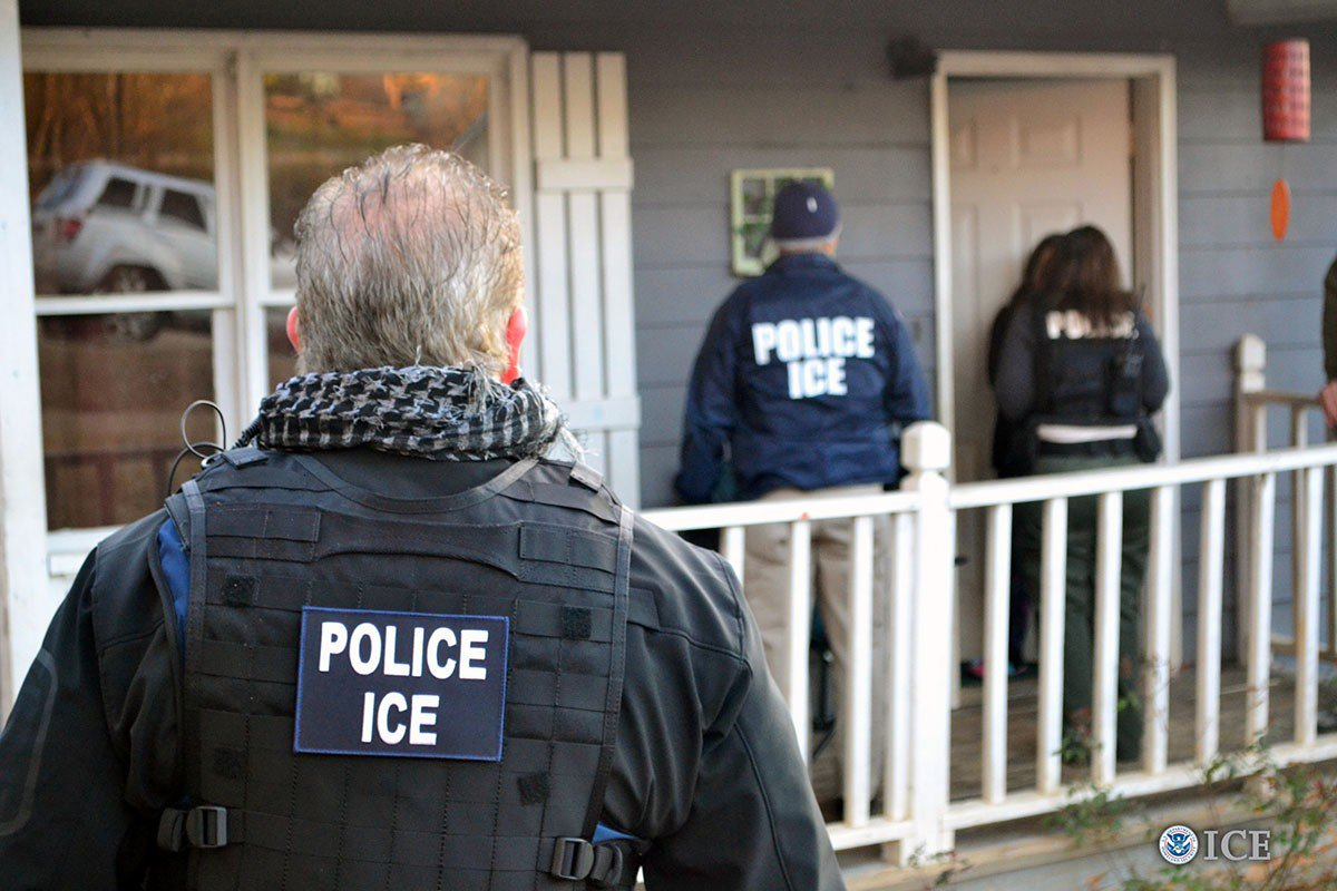 These two cases show ICE's crackdown on immigrants might be using illegal tactics: https://t.co/mV9q6EEHmN https://t.co/z8lIDpdIc8