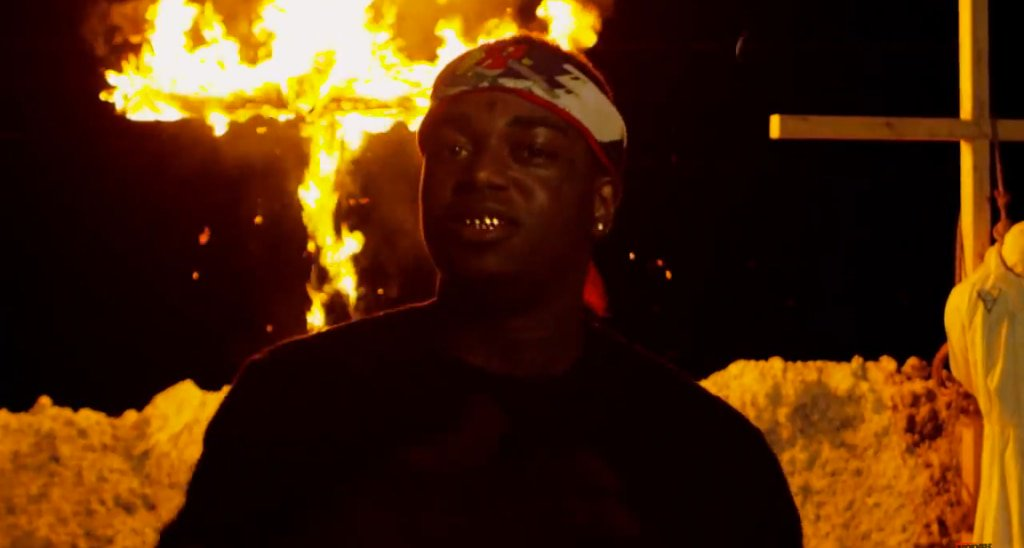 Watch @KodakBlack1k's 'Tunnel Vision' video. https://t.co/oyNW9A3Pyy https://t.co/khCw5j9FFo