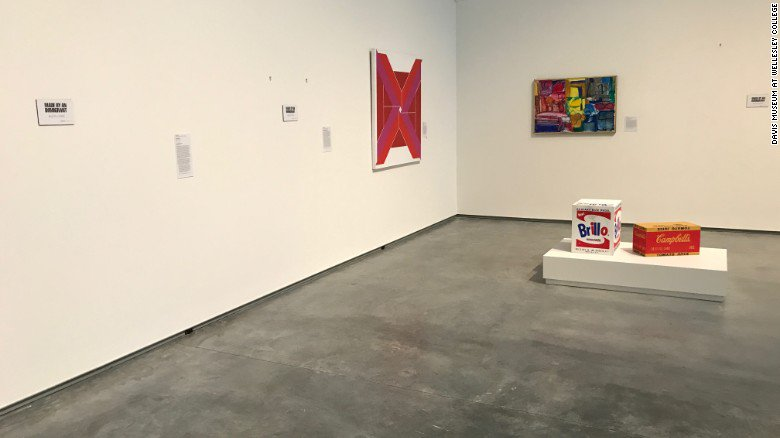 This museum removed every piece of art created by immigrants amid the #DayWithoutImmigrants https://t.co/H3rQInbroK https://t.co/qBphVOLIZM