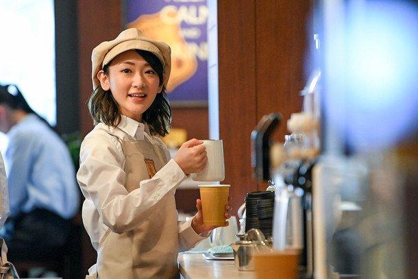 松本人志がコーヒーショップ店員に扮する新CM、オーダー復唱する生駒里奈も生駒ちゃん/NARUTO/銀魂/ONE PIEC