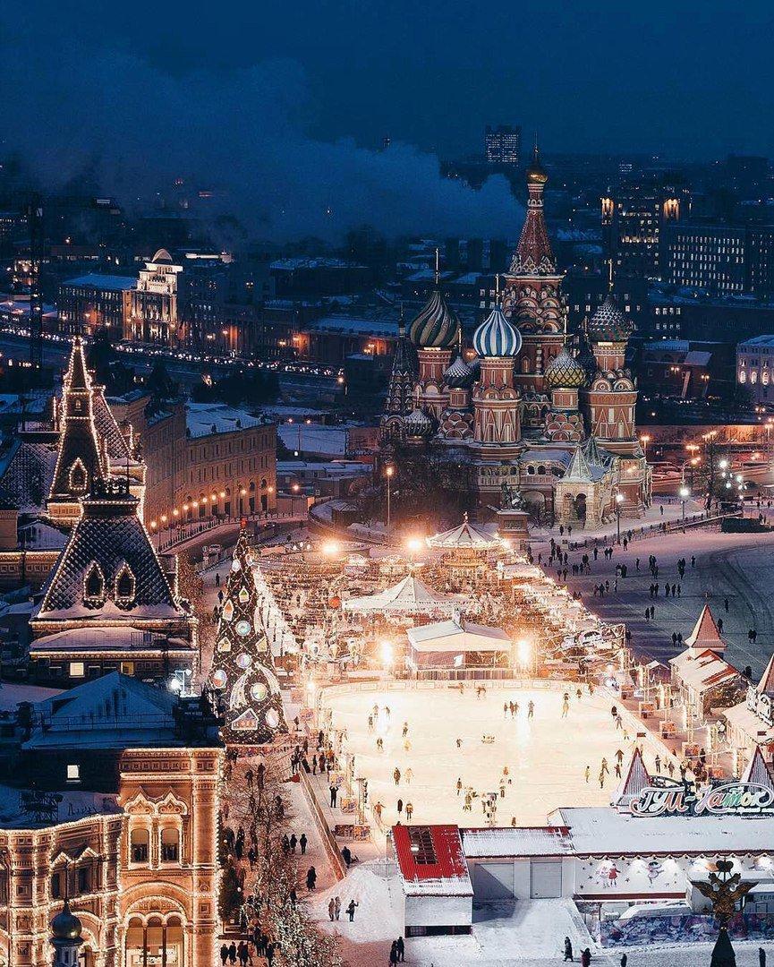 RT @DmitryBasharov: Красная площадь, вид сверху. #Russia #Mosco ...