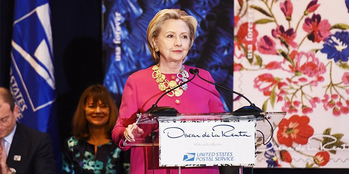Hillary Clinton speaks at NYFW: 'Oscar De La Renta was an immigrant'