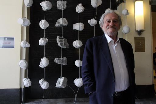 Greek artist Jannis Kounellis dies in Rome at 80 - FOX5 Vegas - KVVU