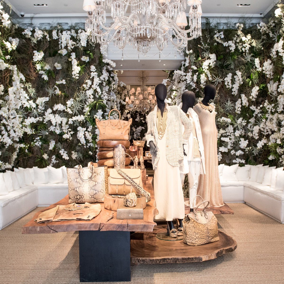 Step inside the transformed 888 Madison Avenue Flagship in #NYC and shop the collection on the runway. https://t.co/2eXtrBIXa5
