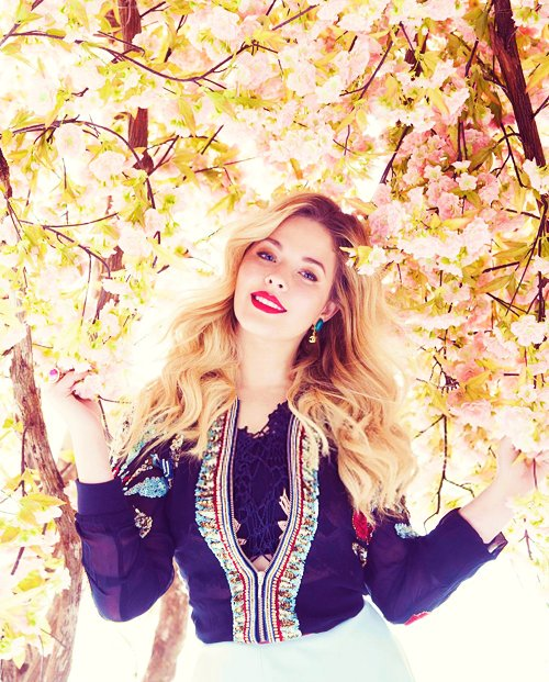 Rainha  Happy Bday Sasha Pieterse
