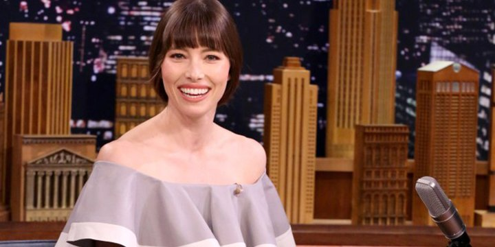 Jessica Biel says eating in the shower is just part of 'mom life'