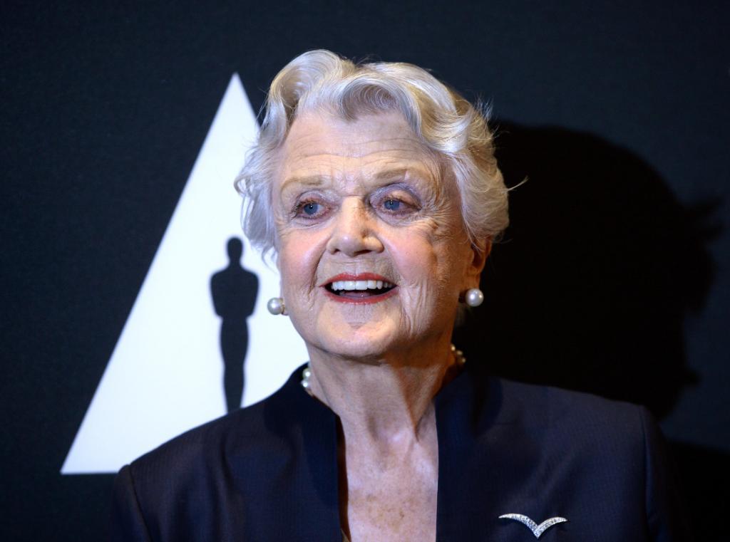 Angela Lansbury Joins the Cast of #MaryPoppinsReturns